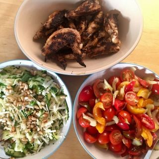 Salads'n'wings.
